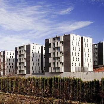 Edificio de 210 viviendas en Llodio | Localização: Llodio, Álava | Arquiteto: TYM Asociados, S.L. | Instalador: Industrias J.L. Continental Iberica, S.L. | Livro: 2010